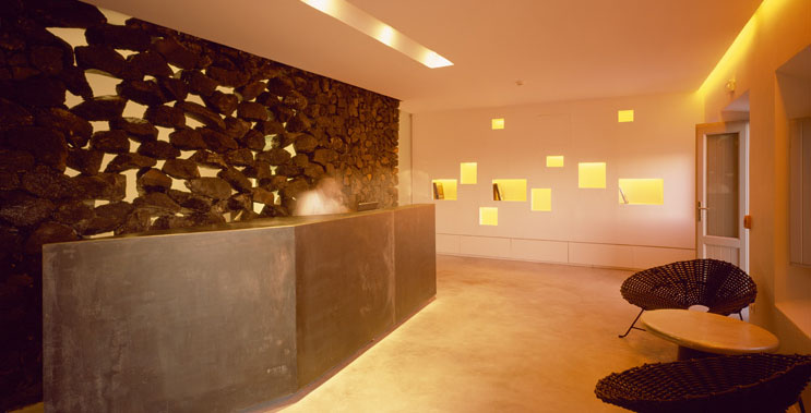 Grace santorini hotel jewel of the greek islands for Design hotel jewel