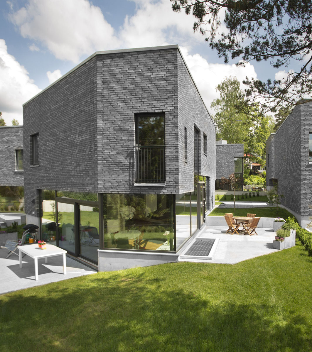 2012 Award Winning House Plans: Award-Winning Housing Project In Oslo Organized Around A