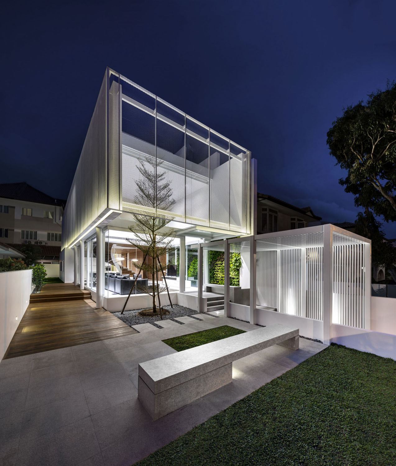 A Minimalist S Dream Home In Singapore With A Privacy