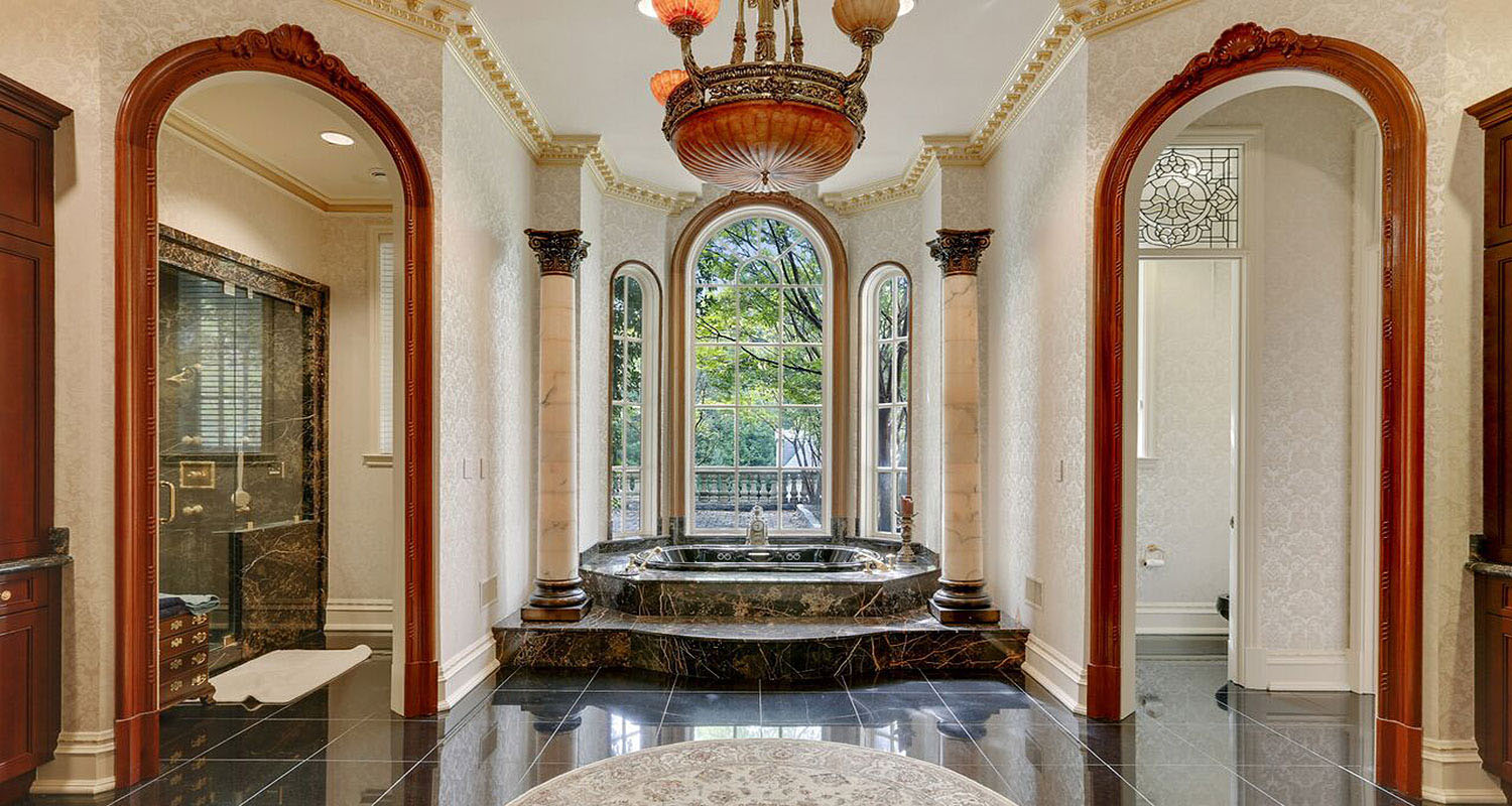 Luxury Marble Bathroom with Columns
