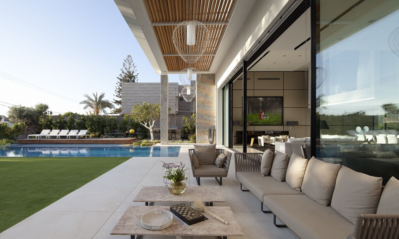 Modern Luxury Outdoor Terrace