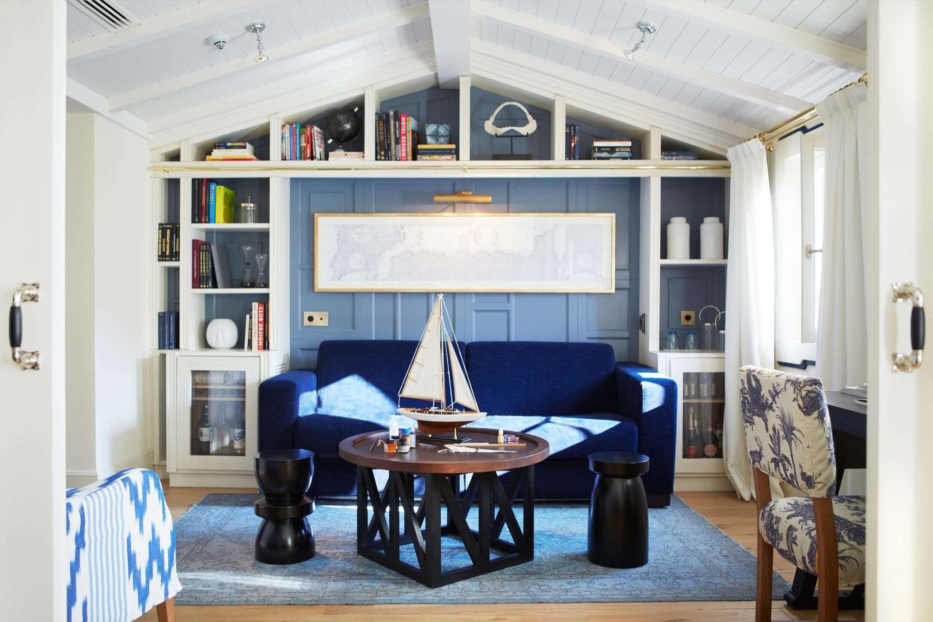Chic Nautical Interior Decor