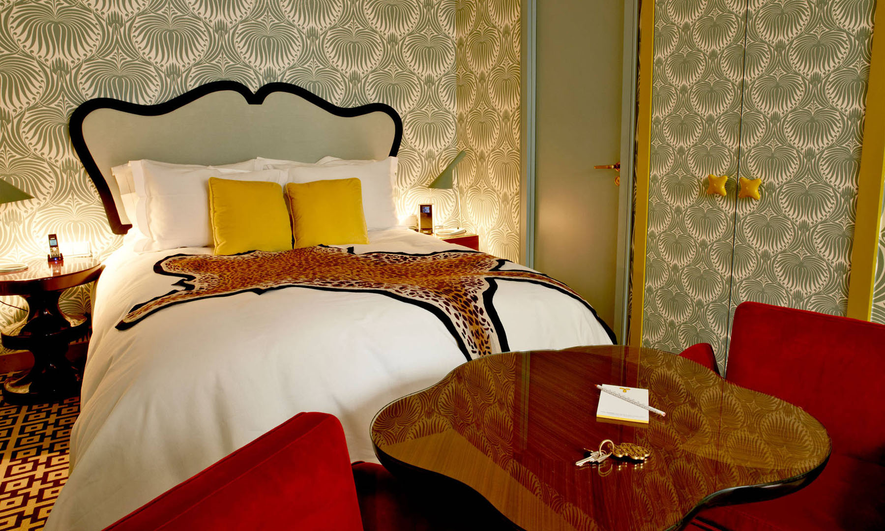 French art deco interior design by india mahdavi at hotel for Boutique deco