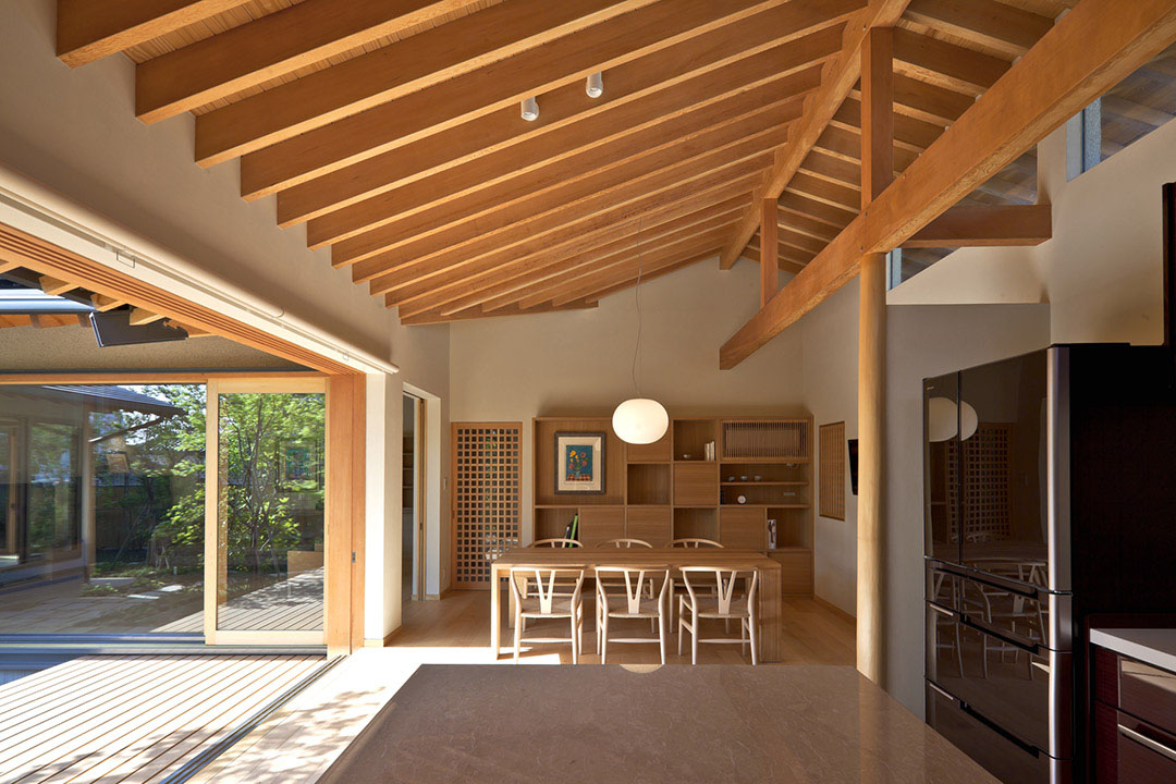 Timber framed japanese house built around private gardens for Modern japanese house interior design