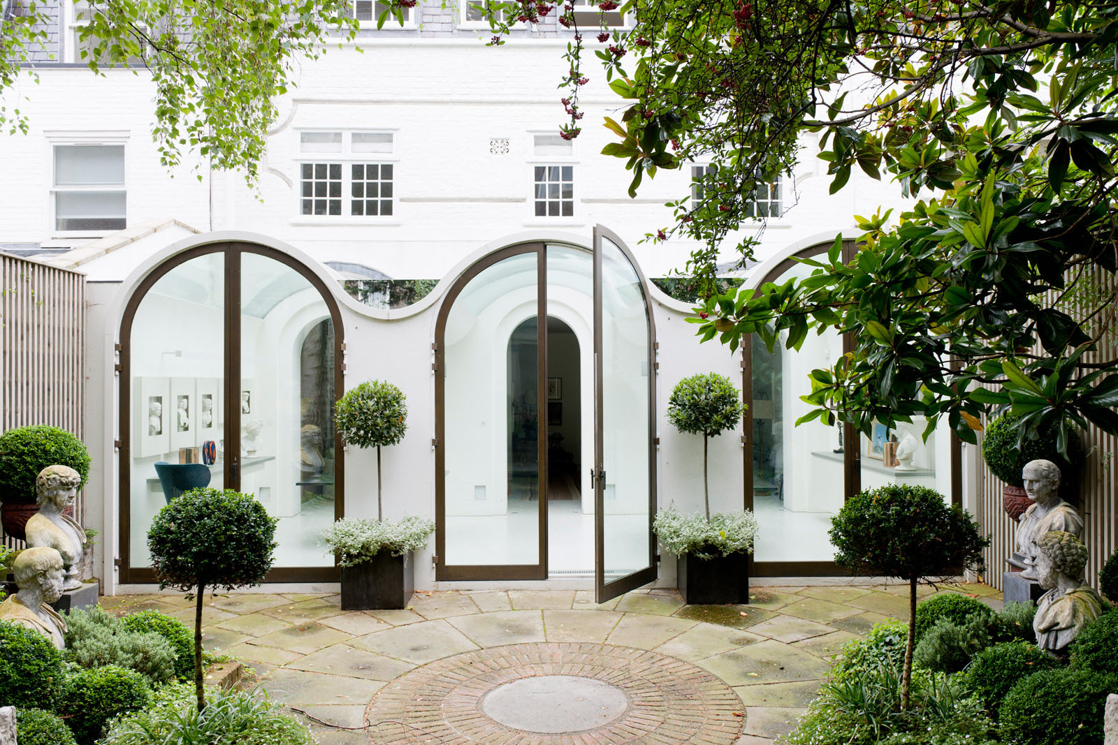 Contemporary Mews House In Londons Hyde Park