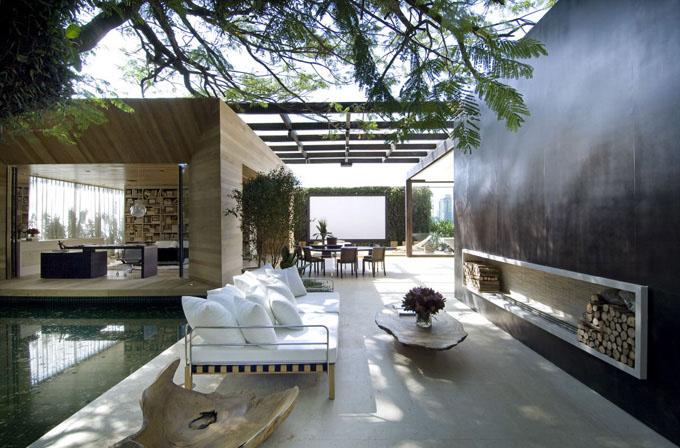 Home In Brazil Blends Indoor And Outdoor Spaces