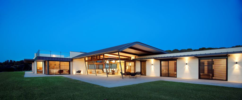 Spectacular beach house in western australia idesignarch for One level house exterior design