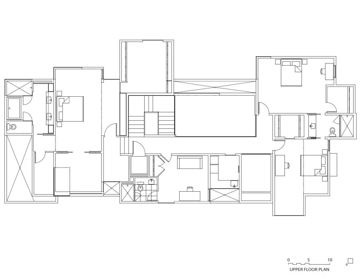 Irregular Shaped House Explores Ambiguous Modern