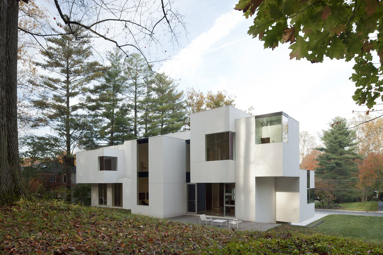 Irregular shaped house explores ambiguous modern for Modern homes in maryland