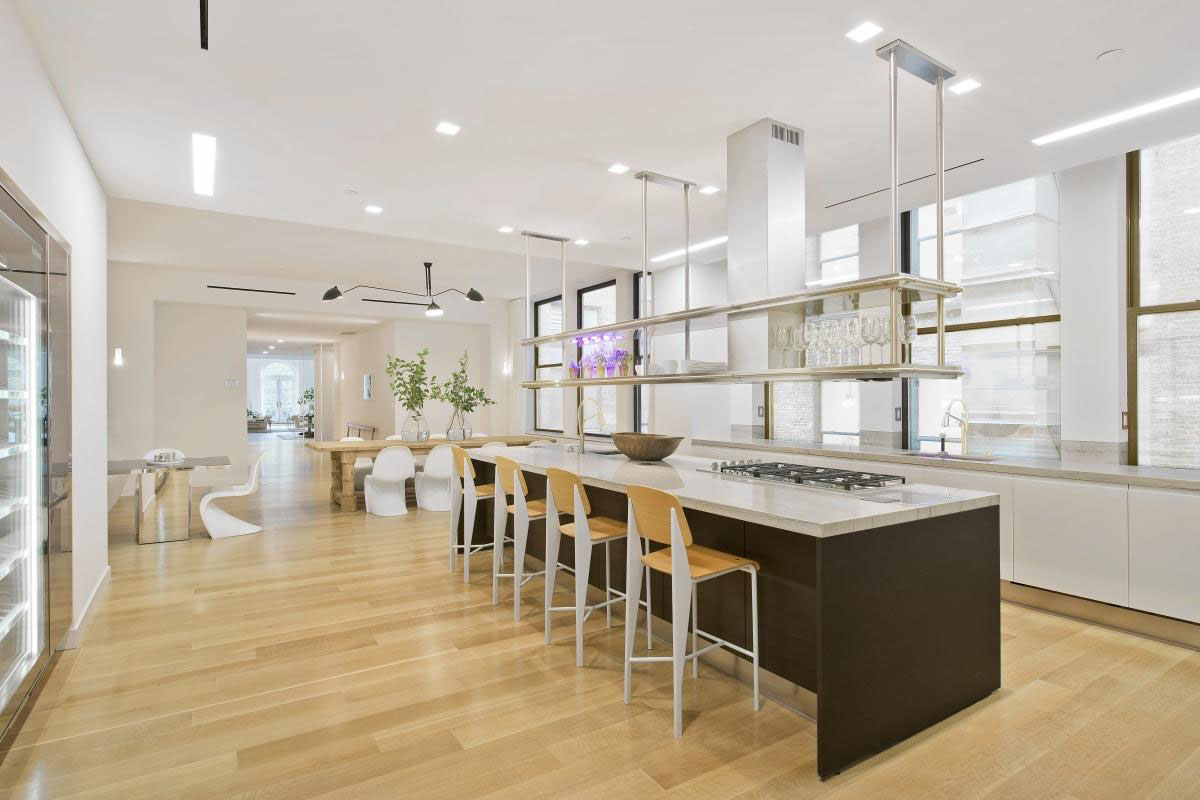 Jennifer lopez 39 s madison square park manhattan penthouse for New york penthouse apartments
