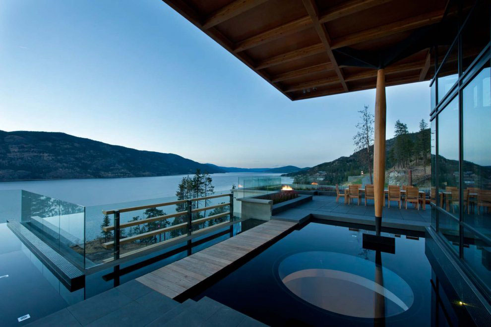 Kelowna contemporary house on okanagan lake idesignarch for Pool design kelowna