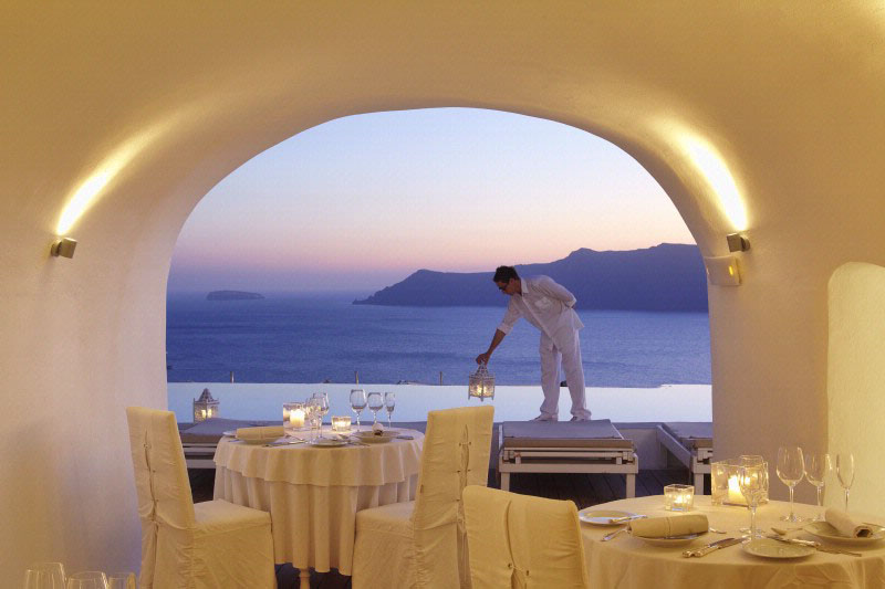 Kirini santorini hotel minimalist luxury in the for Minimalist hotel design