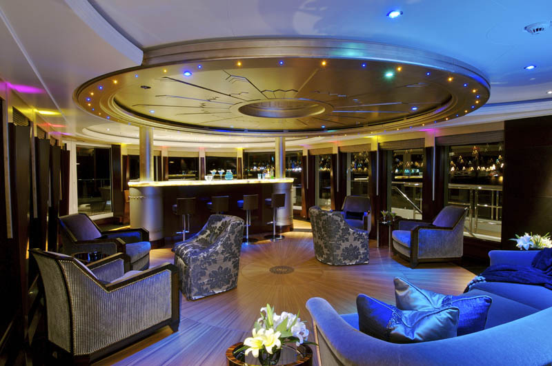 Yacht-Disco-Bar