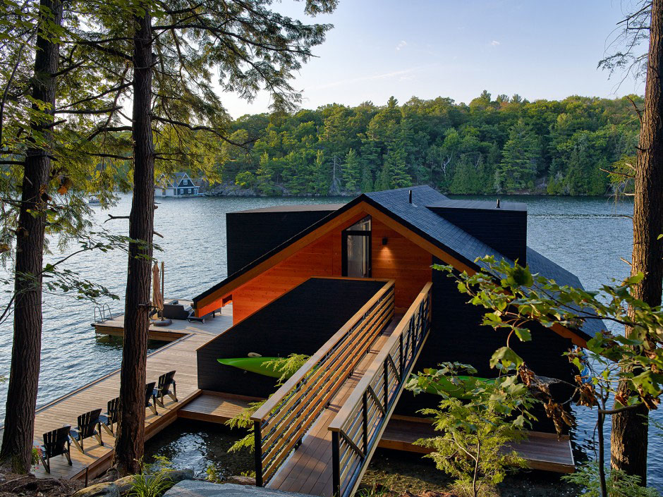 Contemporary Boathouse Muskoka