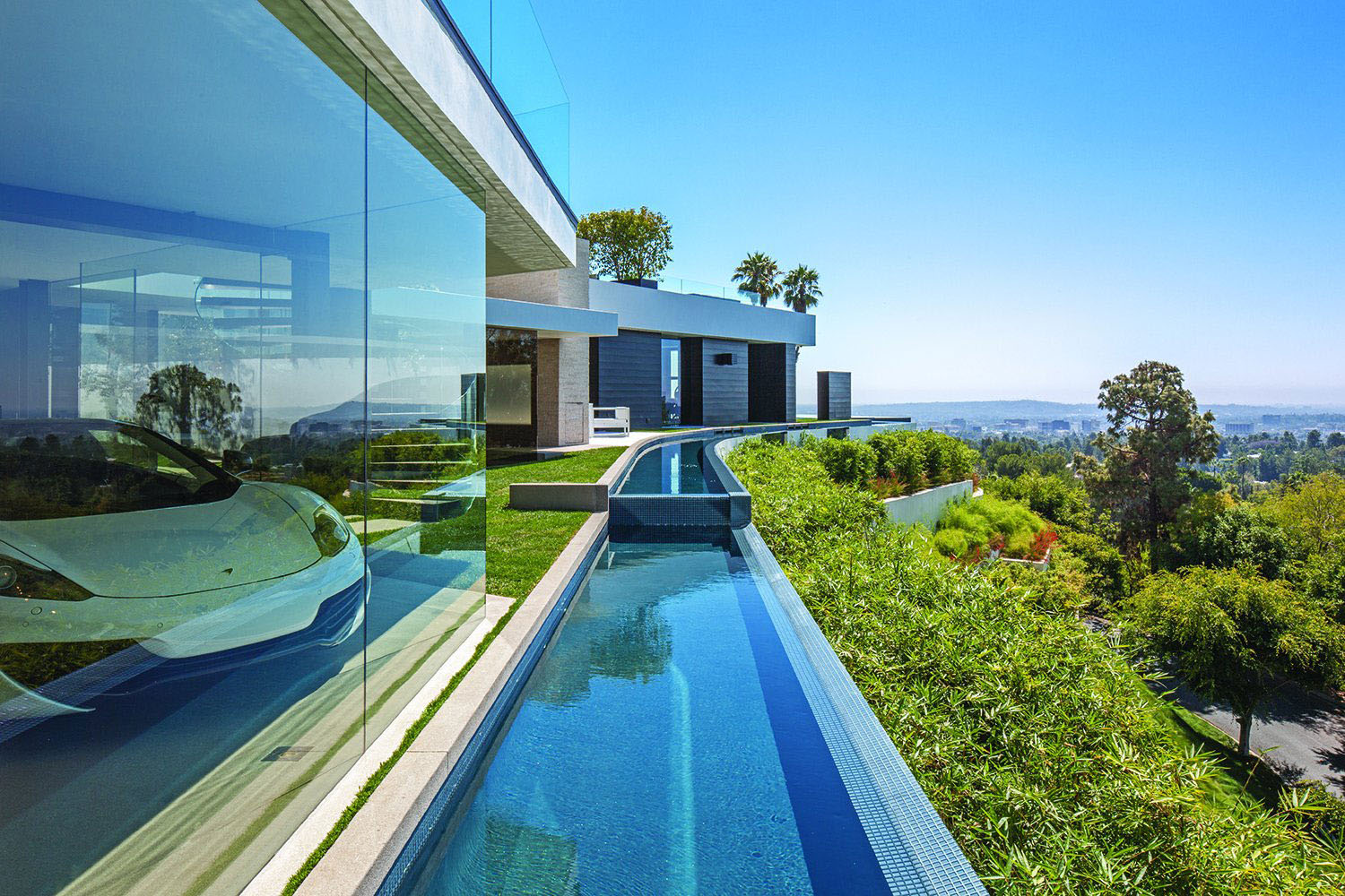 World class beverly hills contemporary luxury home with for Contemporary mansions