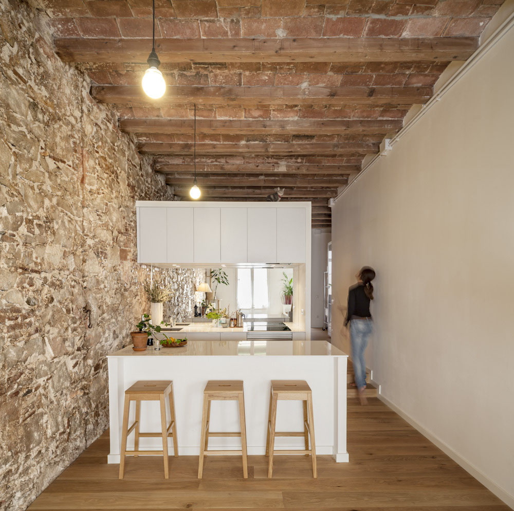 Minimalist New Apartment Barcelona