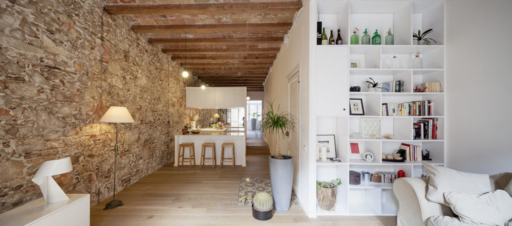 Good Les Corts Stone Wall Apartment_7
