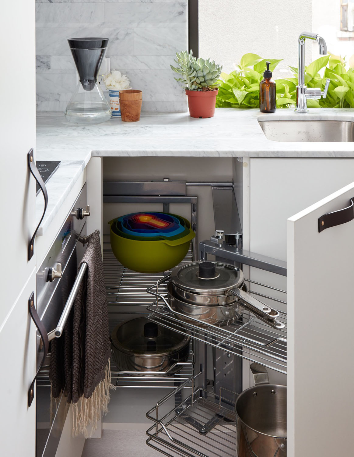 Micro Kitchen Tiny 350 Square Foot Smart Apartment In New York City