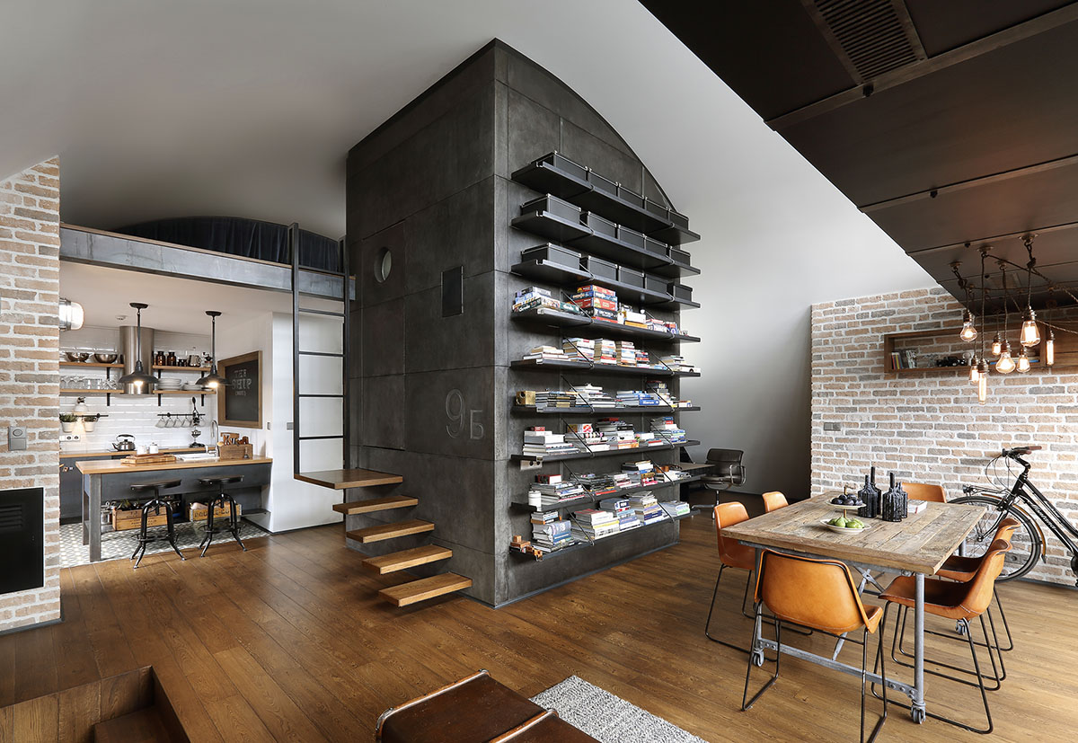 Custom reconstructed attic loft apartment with hipster - Salle de bain loft industriel ...