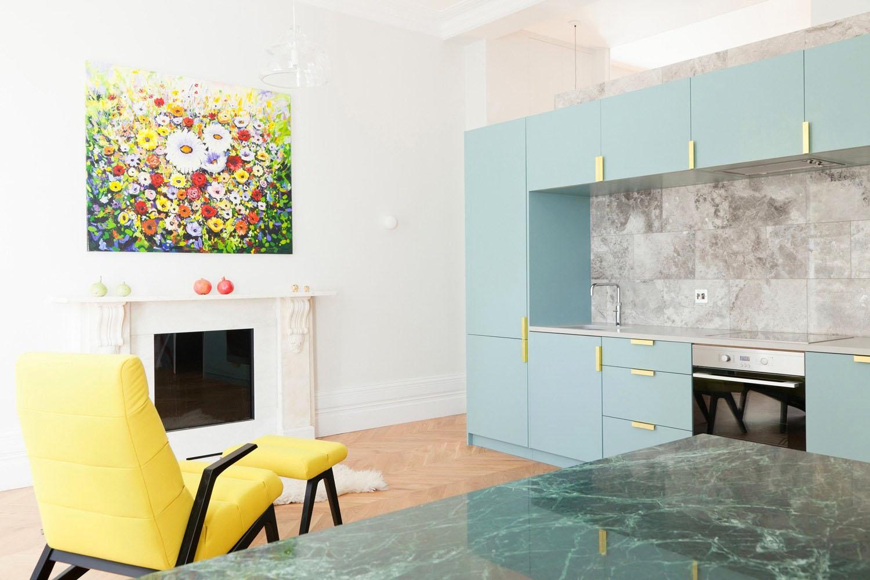 Modern London Flat With Fireplace