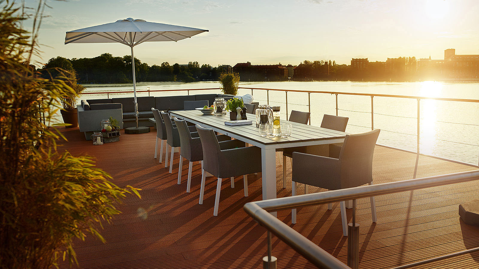 Luxury Houseboat Roof Terrace