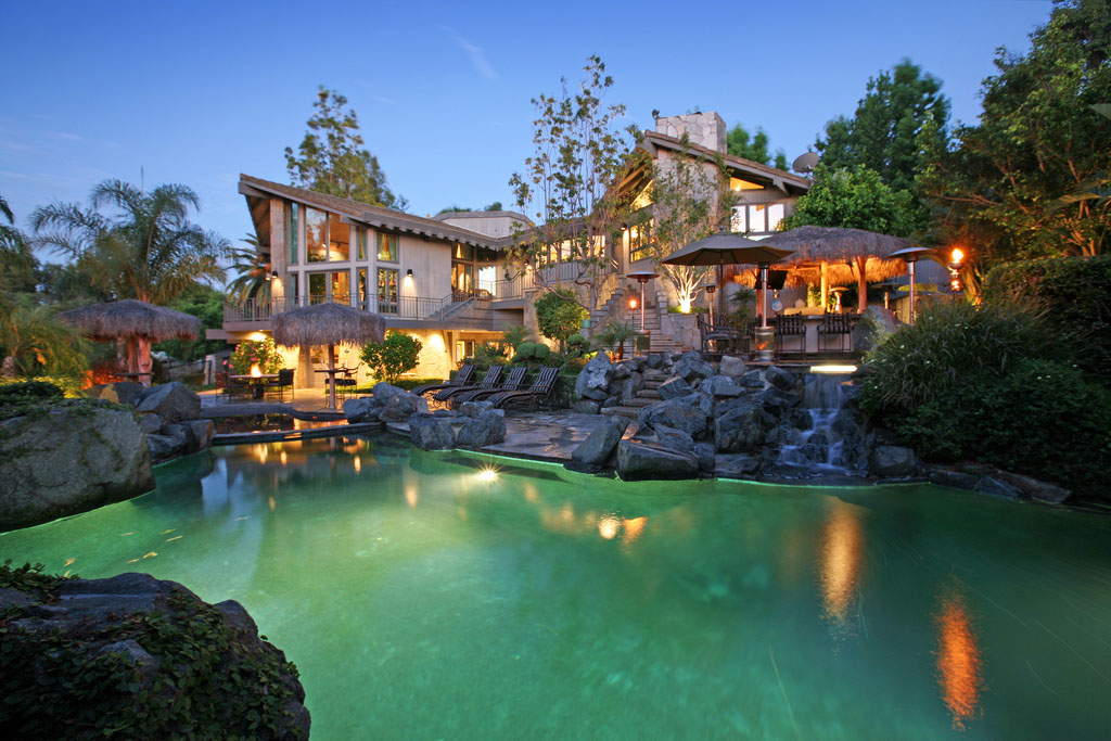 Luxury Estate With Stunning Rock Lagoon Pool In Anaheim