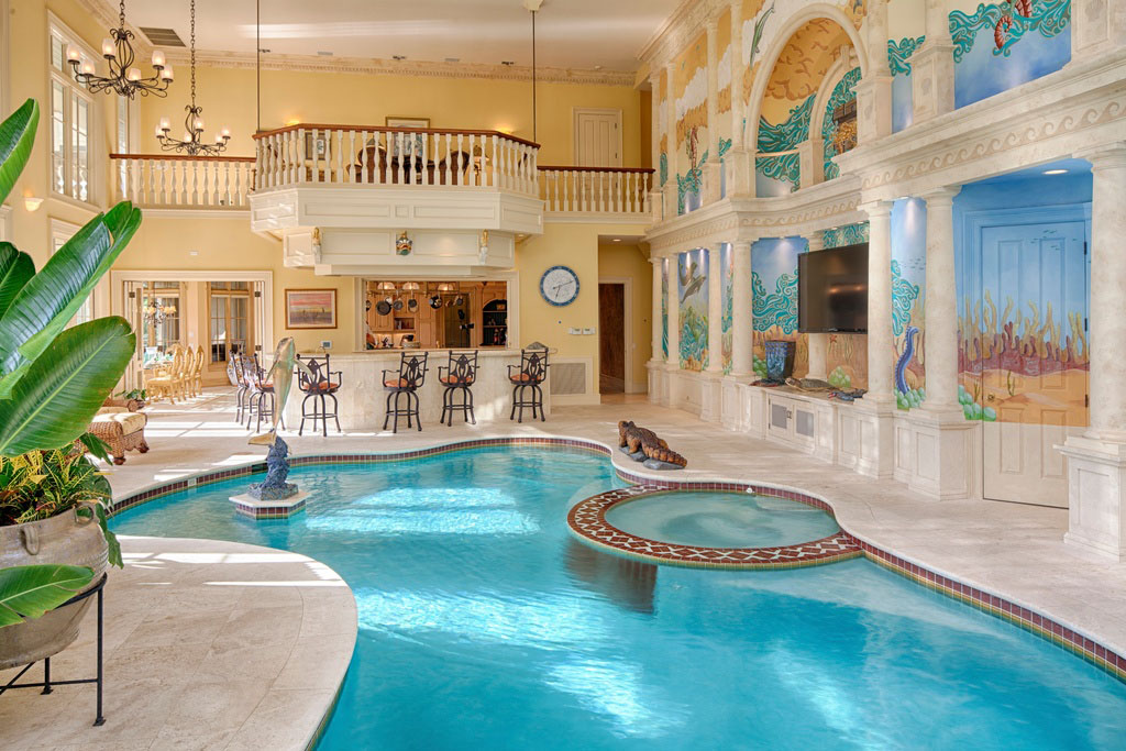 Image gallery luxury indoor pools for Small indoor pool ideas