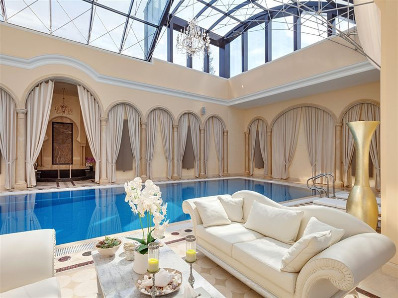 elegant indoor luxury home pool - Luxury Homes With Pools