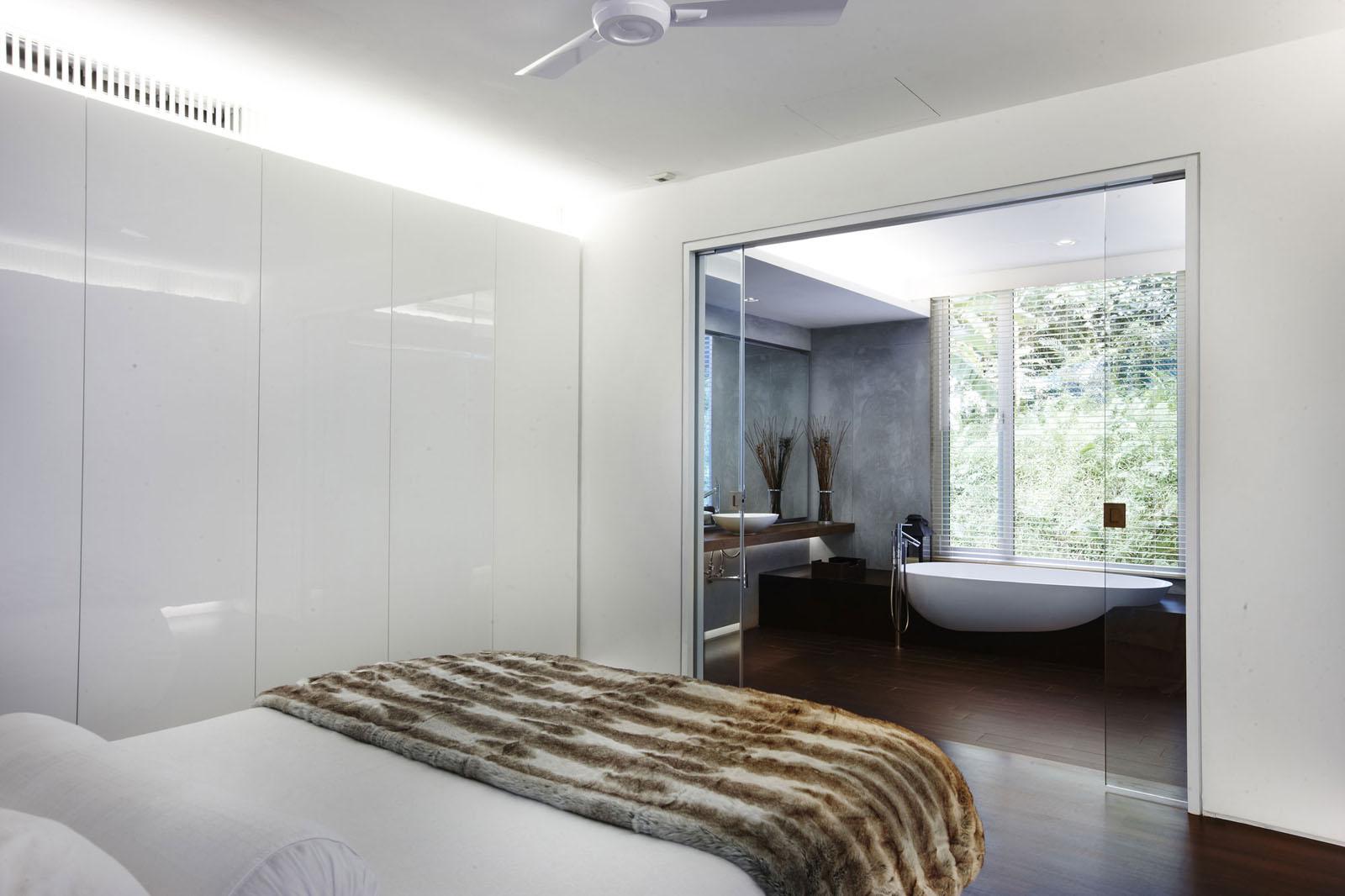 Pre war shophouse in singapore transformed into luxury for Bathroom design singapore