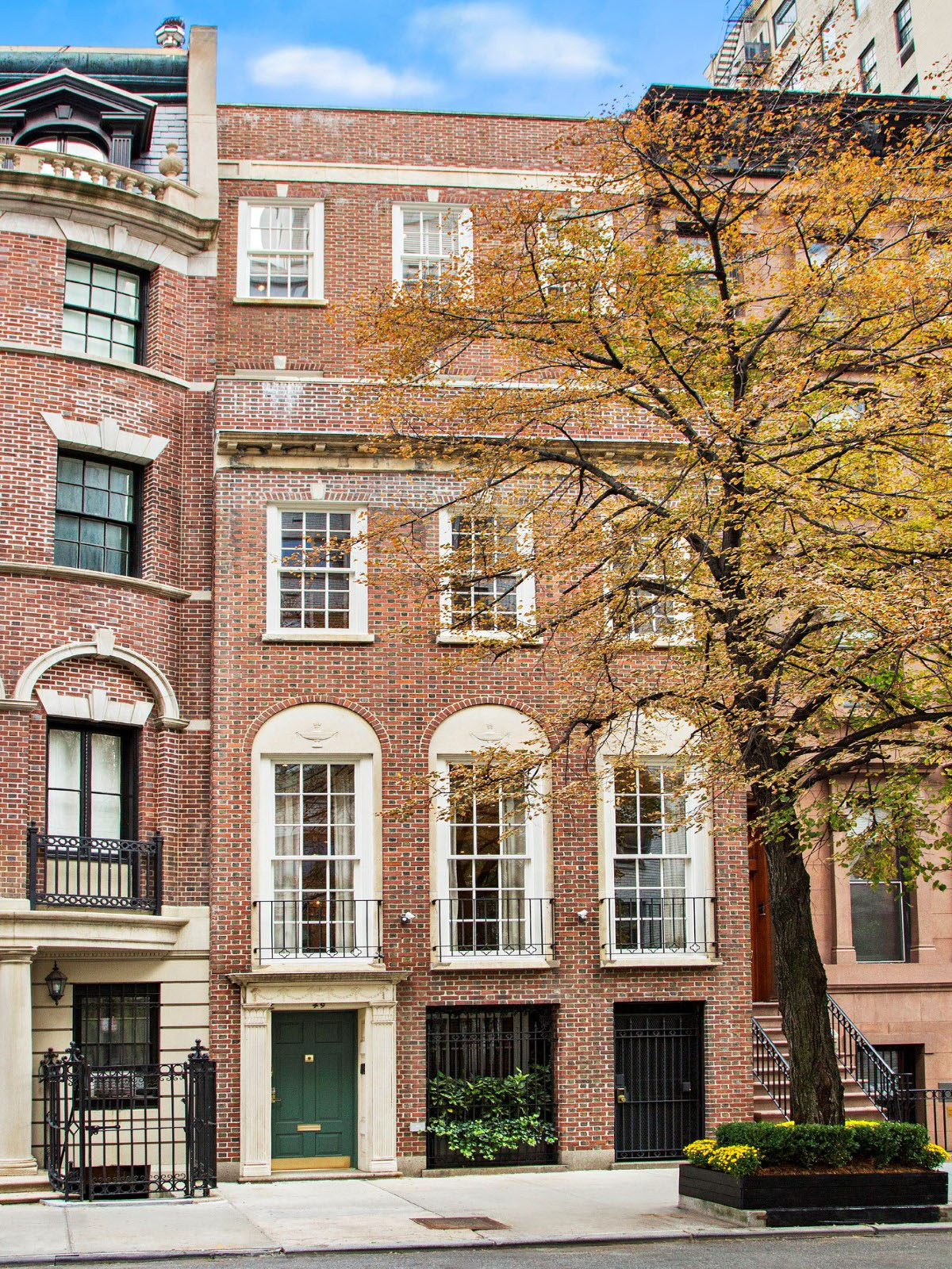 Manhattan Townhouse with Red Brick Façade