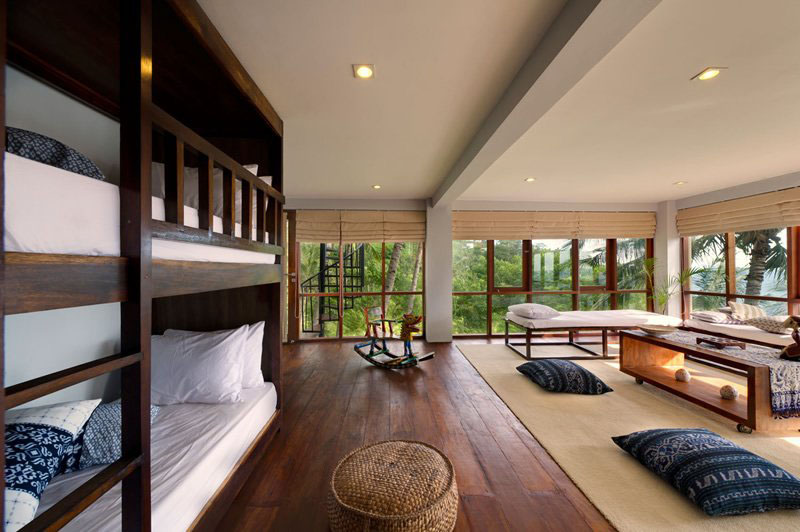 Contemporary tropical hillside villa in indonesia for House interior design jakarta
