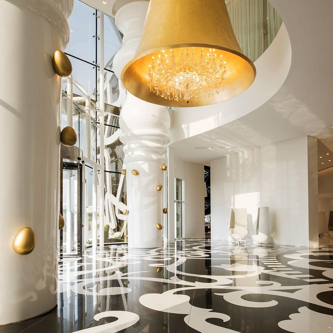 The mondrian doha hotel features marcel wanders 39 eccentric for Bathroom accessories qatar