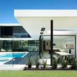 Modernist Mid-Century Inspired Family Home With Beautiful Horizontal Roof Planes