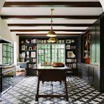 Elegant Mediterranean Style Kitchen Design