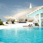 Modern Mediterranean Villa In Majorca By Alberto Rubio