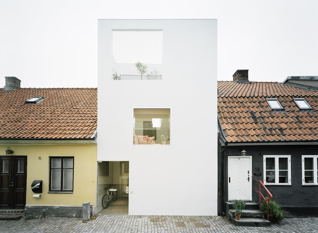 Minimalist townhouse between old buildings idesignarch - Decorating a small townhouse ...