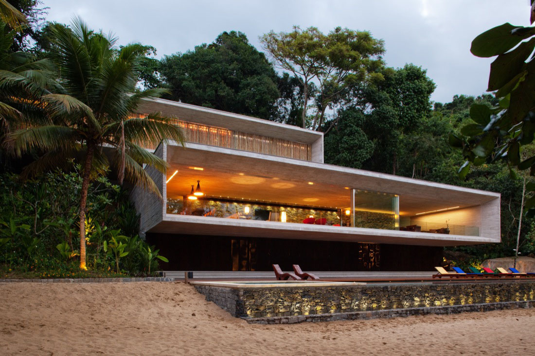 modern beach house on the brazilian coast - Modern Waterfront Home Designs