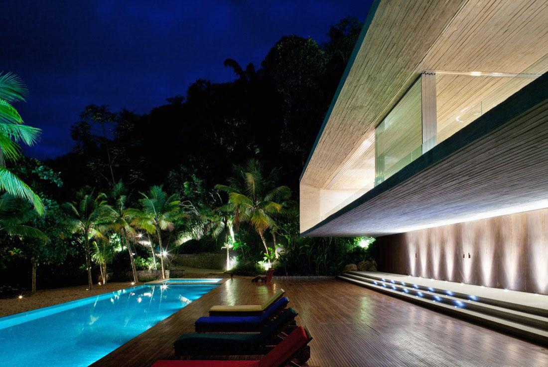 Modern beach house on the brazilian coast idesignarch for Modern beach design