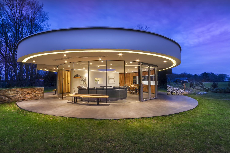 Modern circular villa in the forest idesignarch for Interieur villa design