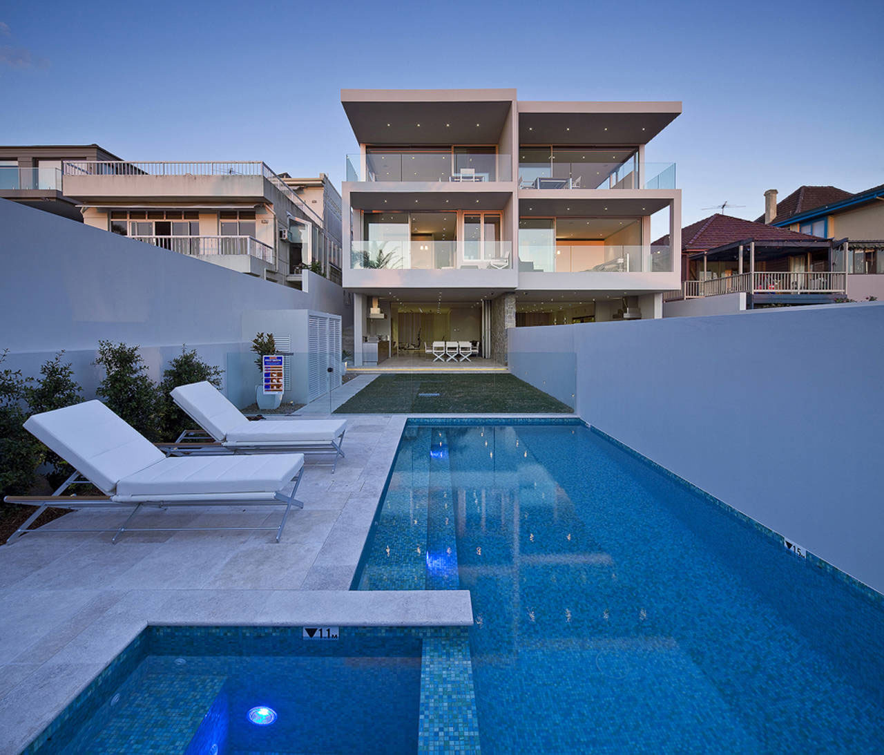 Modern duplex with views of sydney harbour idesignarch - Modern house with pool ...