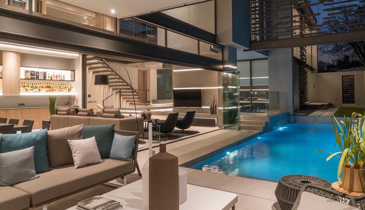 Modern Eco Friendly Luxury House Pool Lanai Garden South