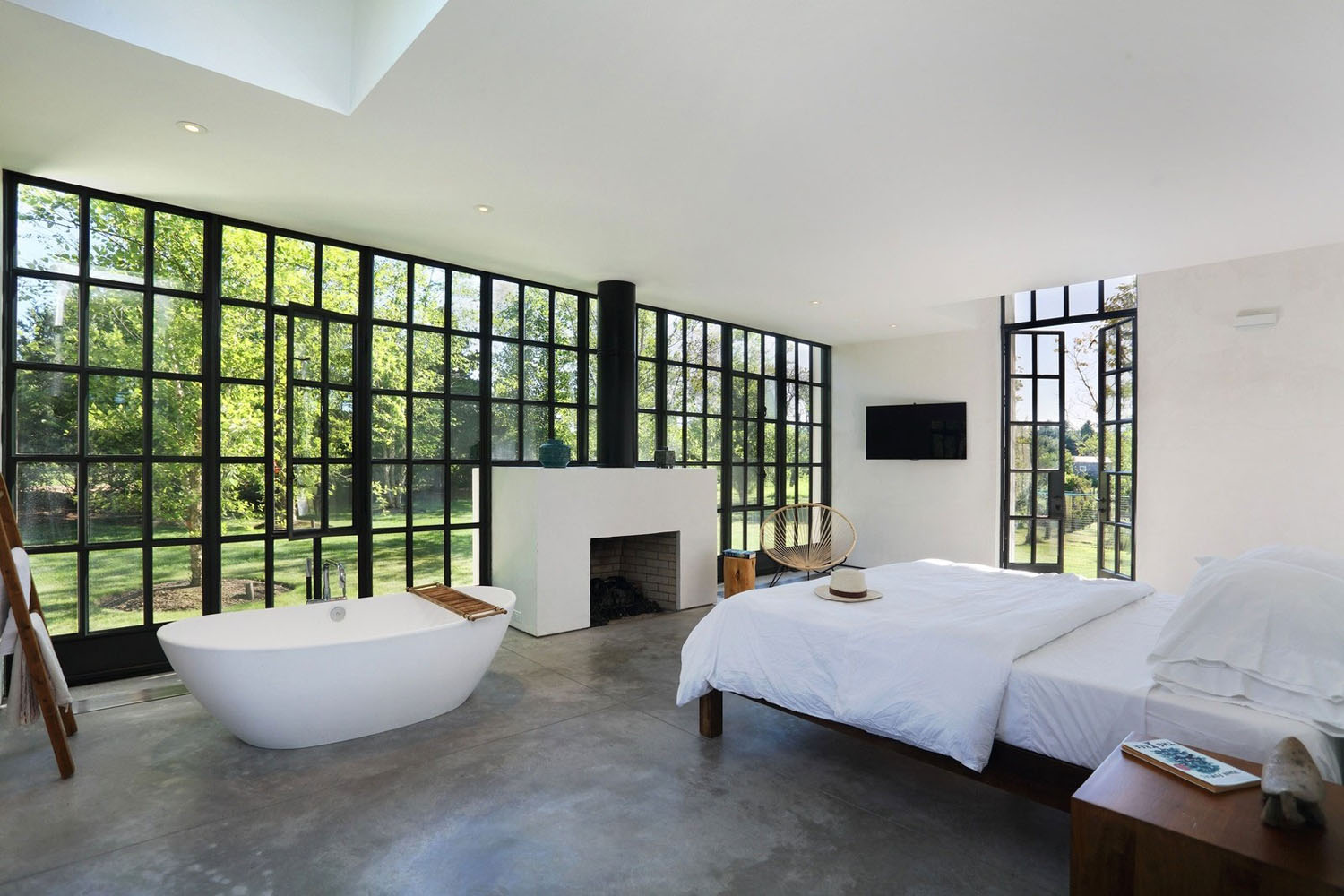 Modern Home Bedroom Design With Clean Lines