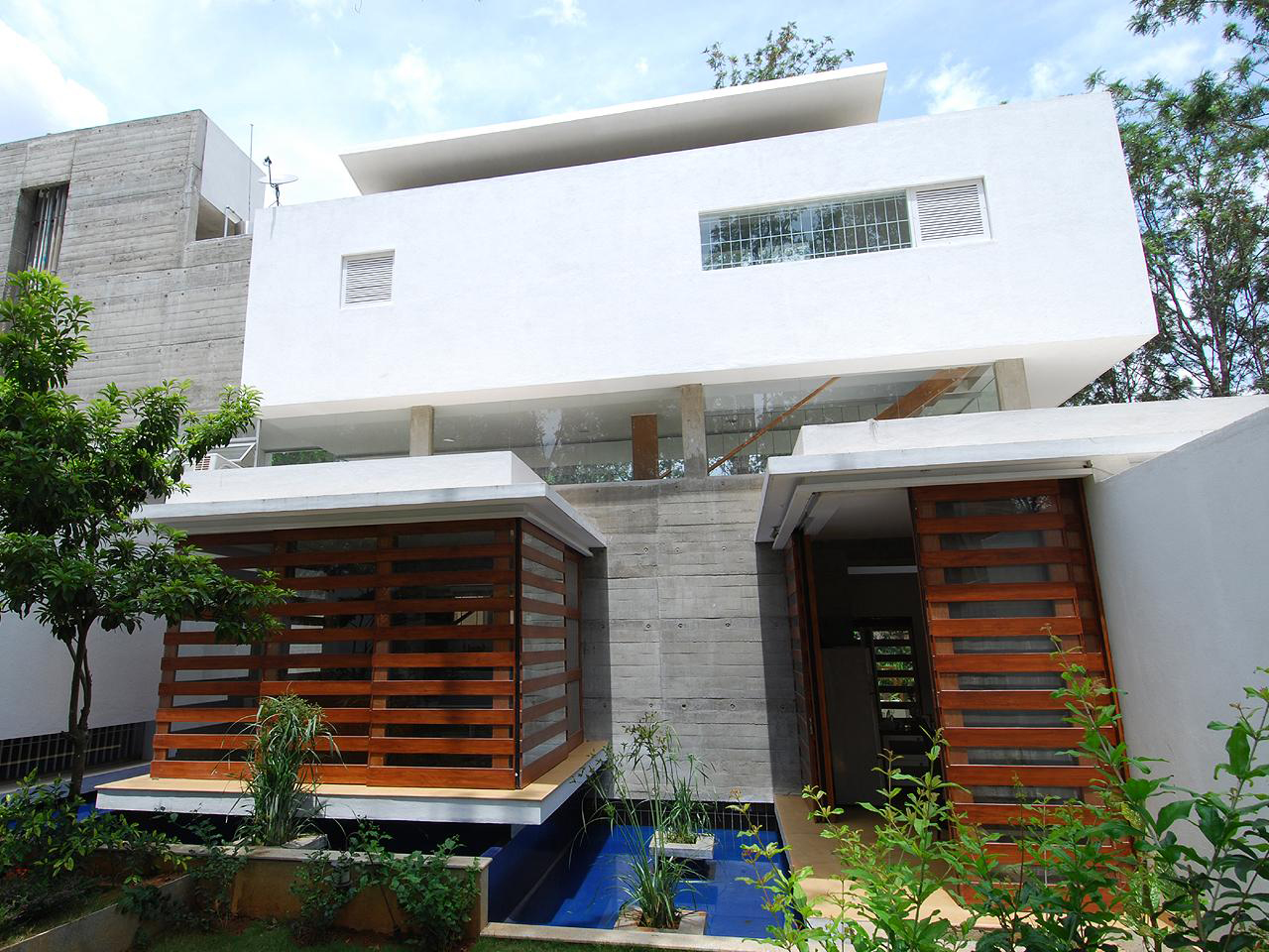 Modern open concept house in bangalore idesignarch for Architecture design of house in india