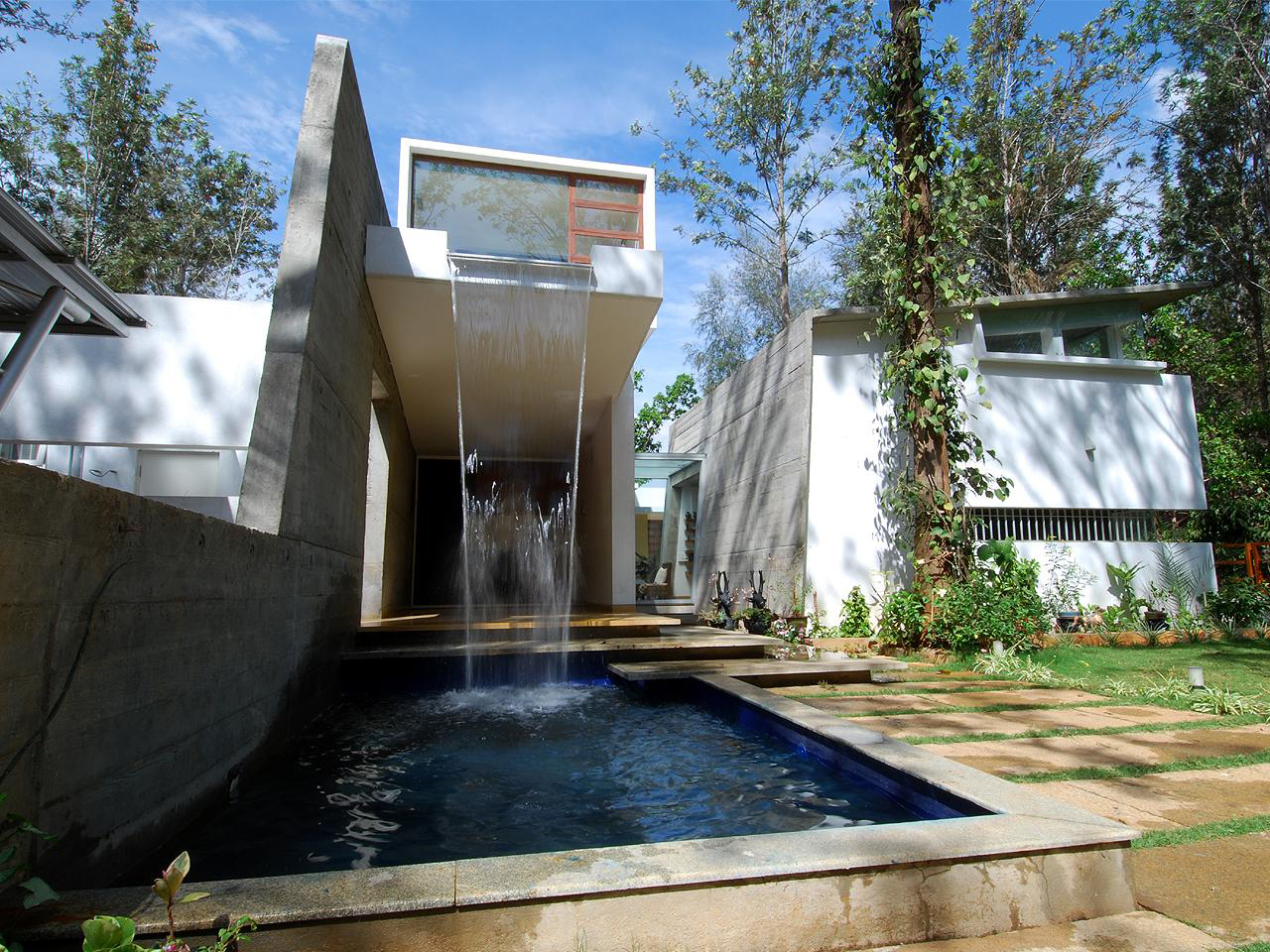 Modern open concept house in bangalore idesignarch for Home garden waterfall design