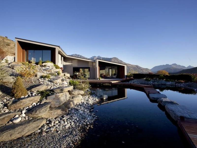 Lake hayes modern home with spectacular views for Spectacular home designs