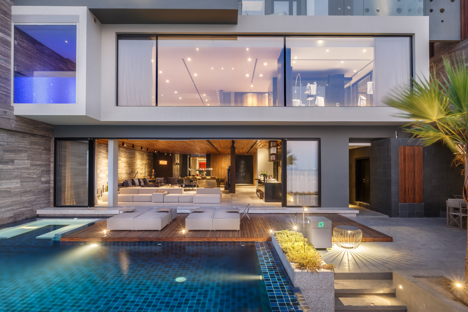Modern Oceanfront Luxury Villa In Bahrain | iDesignArch | Interior ...