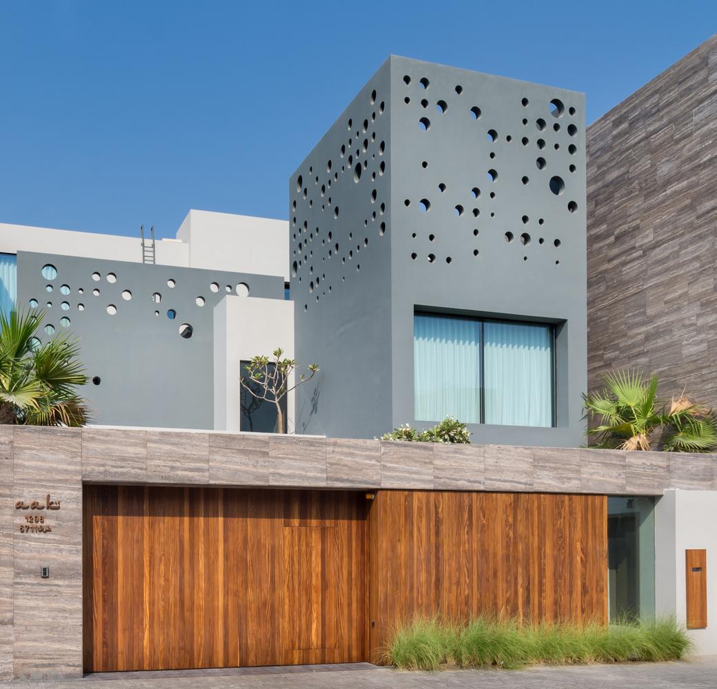 Modern Oceanfront Luxury Villa In Bahrain | iDesignArch | Interior ...