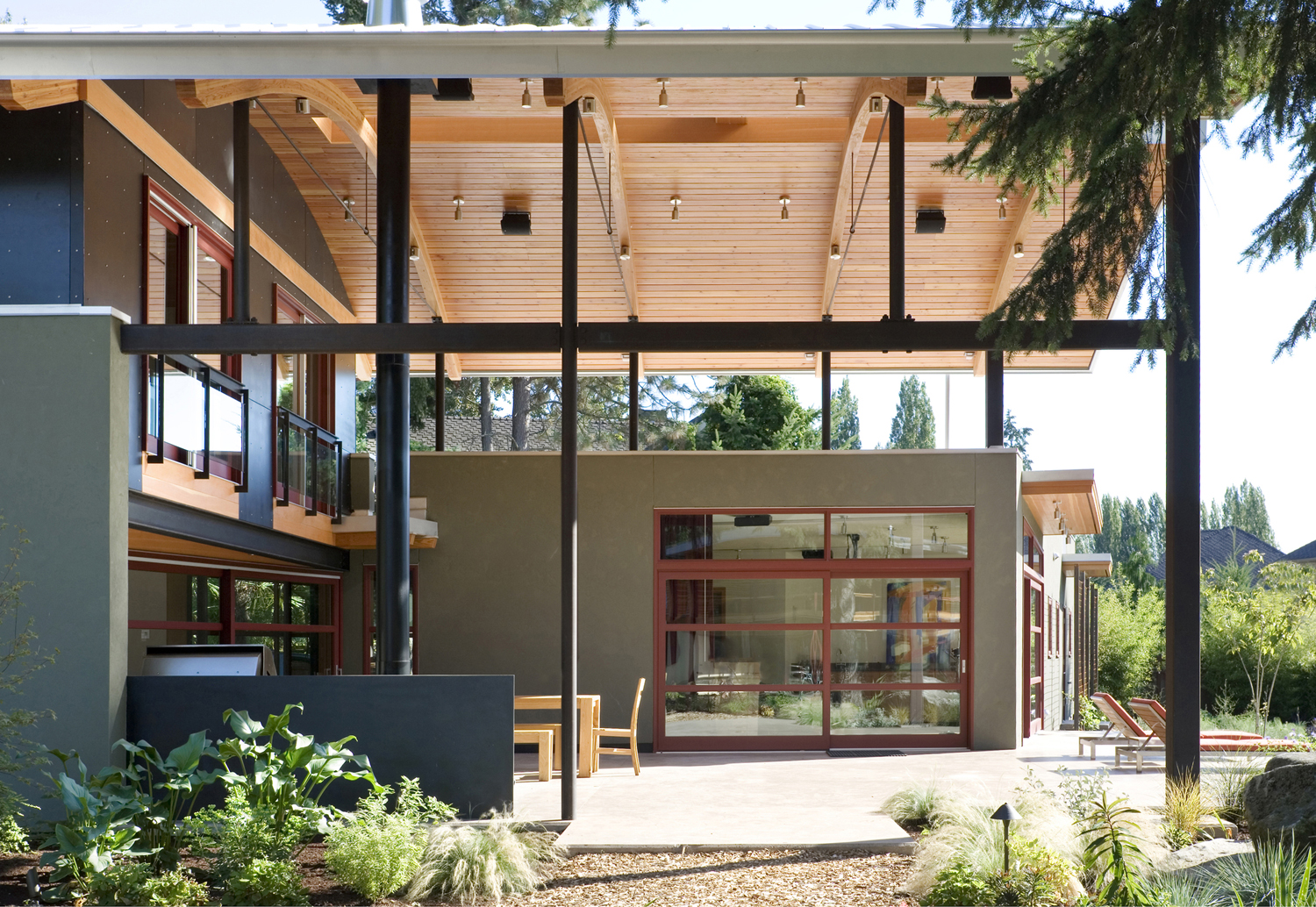Modern Industrial Suburban House in Seattle with Curved Roof ...