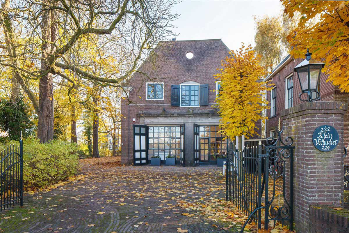 Genial An 18th Century Stable Converted Into A Modern Coach House