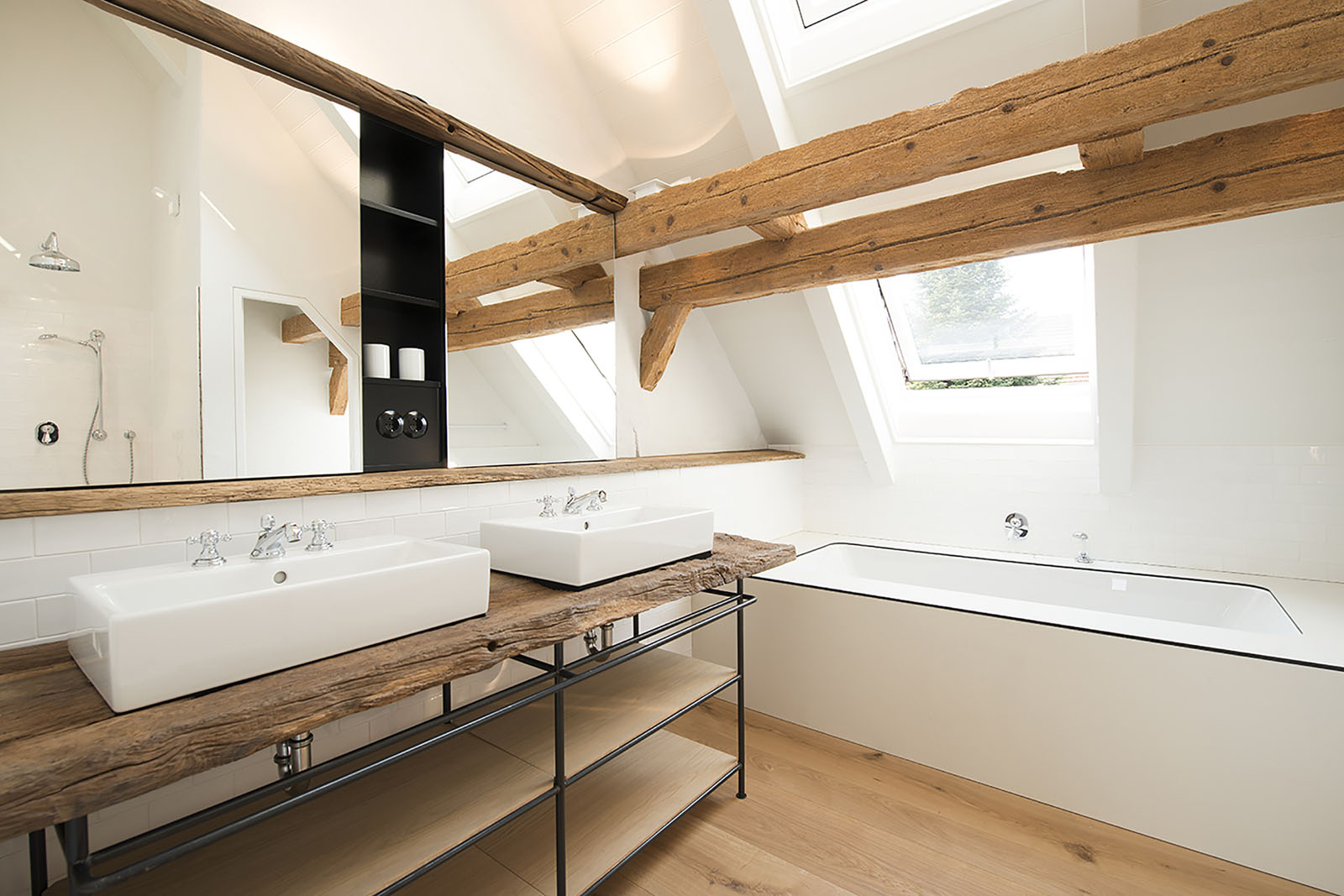 Bathroom with Natural Wood Materials